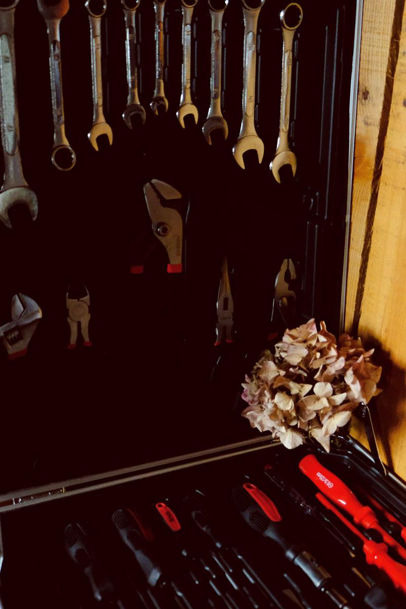 Boîte et mallette à outils pour matériel de décorateur et fleuriste événementiel en Aquitaine.