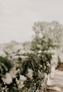 Guirlande De Feuillage Végétal Et Naturel En Eucalyptus De Décoration Florale De Mariage Et événement.