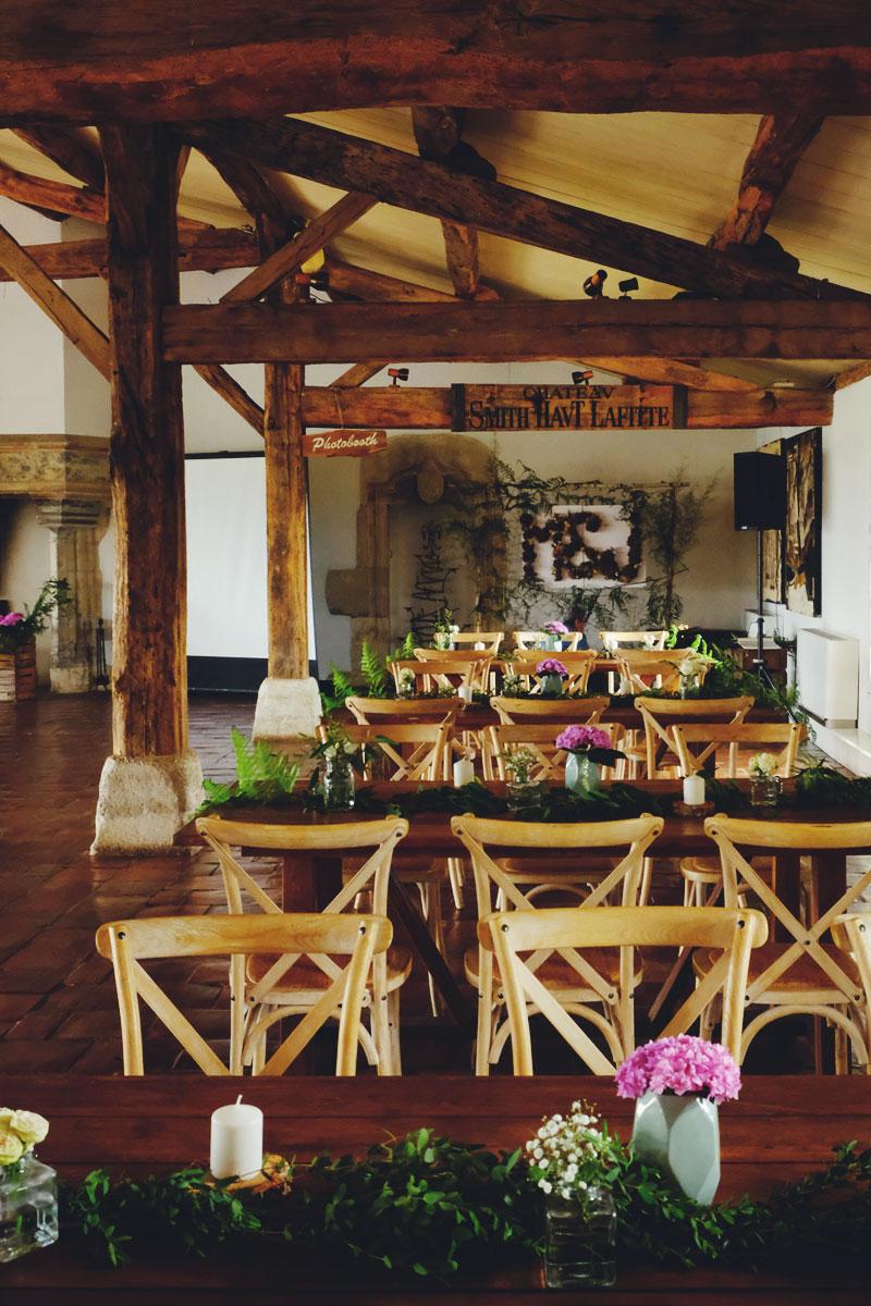 Décoration de lieu et table de buffet dinatoire et repas de mariage.