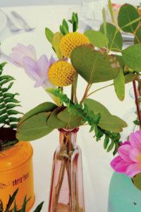 Eucalyptus Et Fleur Jaune De Bouquet De Fleur De Réception Et événement.
