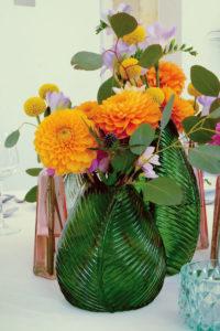 Fleurs De Couleur Orange Et Jaune De Mariage En été.