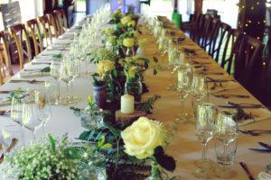 Déco Bohème Chic De Table De Mariage Lors De Réception à La Ferme D'En Chon.