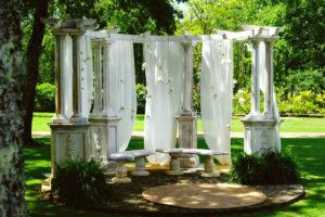 Décoration Au Thème Romantique De Mariage Dans Les Landes Sur Biscarrosse.