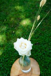 Rose Et Fleurs Séchées En Déco Bohème De Cocktail De Mariage En été.