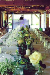 Centre De Table En Fleurs Champêtre Chic De Mariage Dans Les Landes à Biscarrosse.