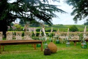 Le Parc Et Les Vignes Du Château Lardier Pour Organiser Une Cérémonie De Mariage En Extérieur.